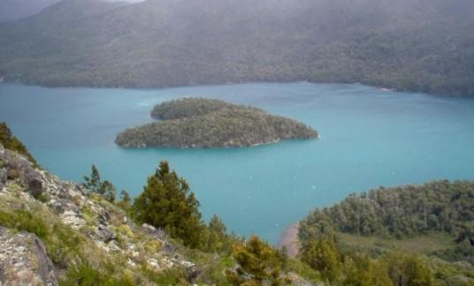 ISOLE-A-FORMA-DI-CUORE-gutierrez-lake-patagonia-sito-990x600
